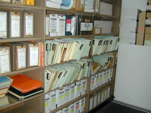 Un-catalog land & genealogy records on Maui