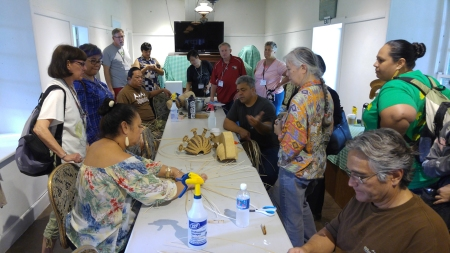 AHA got a real treat when weavers were meeting on the Hale Hōʻikeʻike premises. Here, members ask questions and talk story with the weavers.